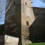 Vista exterior del Torreón correspondiente con la Sala de Dª Petronila y la Sala de la Campana. © Foto Museo de Huesca.