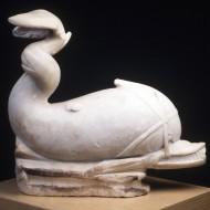 Delfín-fuente. Mármol. 300-400. Villa Fortunatus. (Fraga, Huesca) NIG. 08189. © Foto Fernando Alvira. Museo de Huesca.