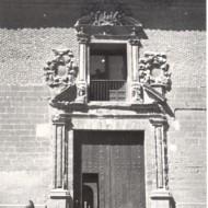 Portada de acceso al Museo de Huesca en su nueva sede a partir de 1967. © Archivo fotográfico Museo de Huesca.