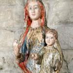 Virgen de Santa María in Foris. Anónimo. Madera policromada. 1200. NIG.01113. © Foto Fernando Alvira. Museo de Huesca (detalle).
