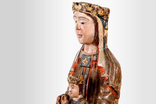 Virgen con el Niño. Anónimo. Madera policromada. 1100. NIG.00258. © Foto Fernando Alvira. Museo de Huesca (detalle).