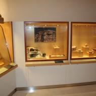 Museo de Huesca. Sala 1, vitrinas dedicadas al arte rupestre. (Fot. MdH)