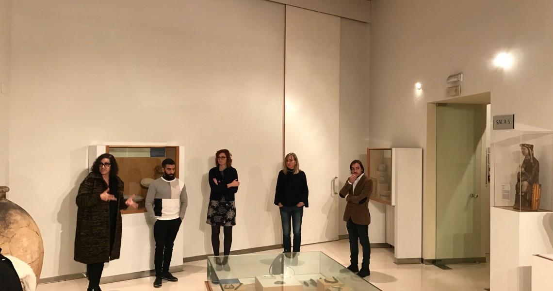 Inauguración nuevas instalaciones con el Director General de Cultura, la comisaria y los artistas y la directora del Museo Laura Asín. Foto MdH