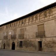 Fachada del Palacio de los Barones de Valdeolivos, Fonz - Archivo del Gobierno de Aragón
