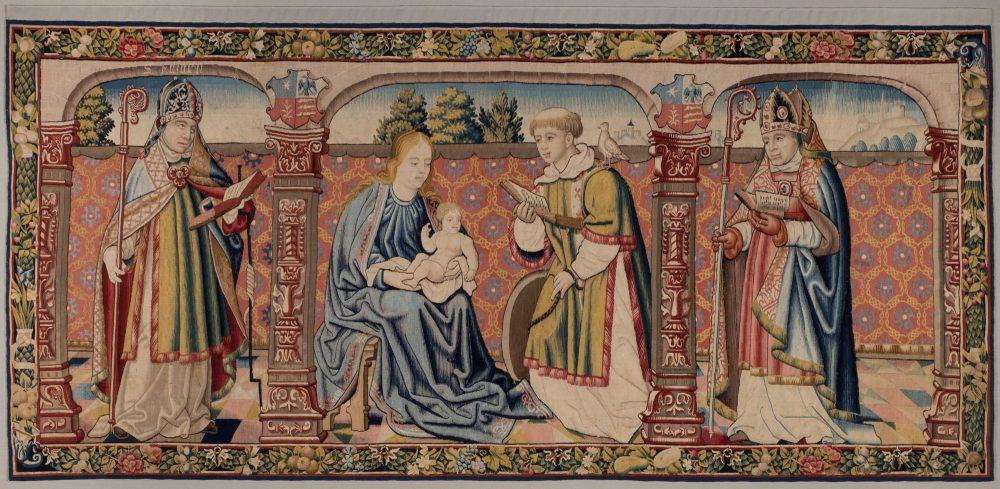 Tapiz de la Virgen, el Niño y San Vicente. Taller de Quintín Metsys. Primer tercio s. XVI. NIG 11563. Foto: Fernando Alvira Lizano. Museo de Huesca.